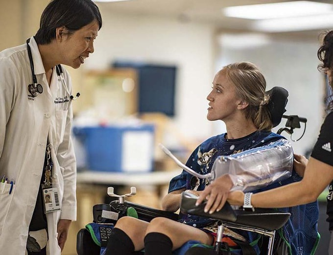 Patient Caroline Moore with physiatrist Anna Choo Elmers