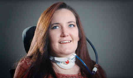 Former SCI patient Kelly discusses fashion for women with spinal cord injury
